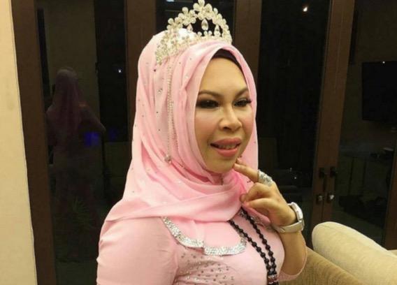 Saman RM1 juta untuk penciplak jersi pink baru Kelantan