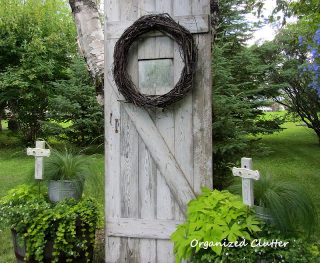 Peaceful and Neutral Garden Vignette
