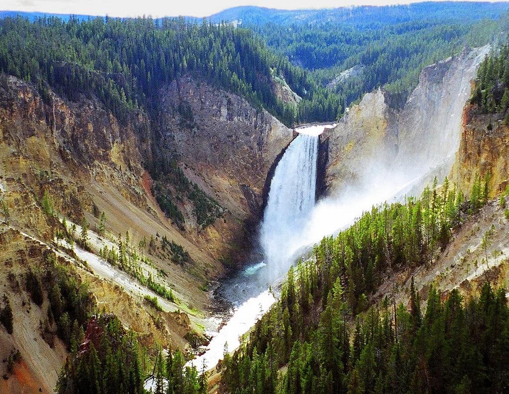 Yellowstone National Park Wyoming Montana And Idaho US - Us national parks yellowstone