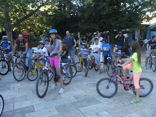 Το μήνυμα της εναλλακτικής μετακίνησης μετέφεραν ποδηλάτες κάθε ηλικίας στη Θήβα.