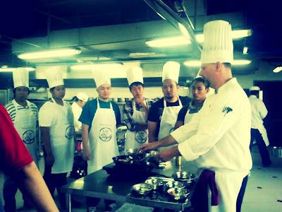 Chef teaching guys
