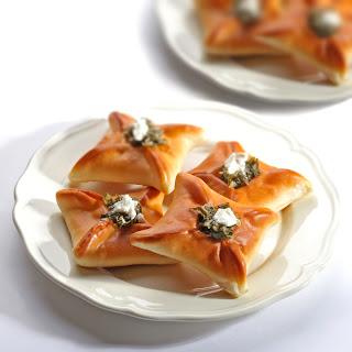 Spinach And Feta Cheese Sambousek Recipe