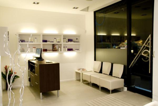 Interiorismo comercial peluquer a aktual estilistes - Interiorismo y diseno ...
