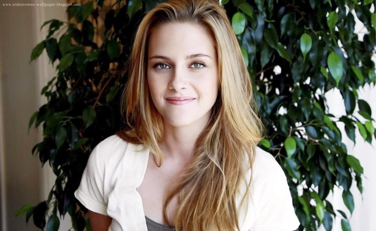 Kristen Stewart Photos 2012