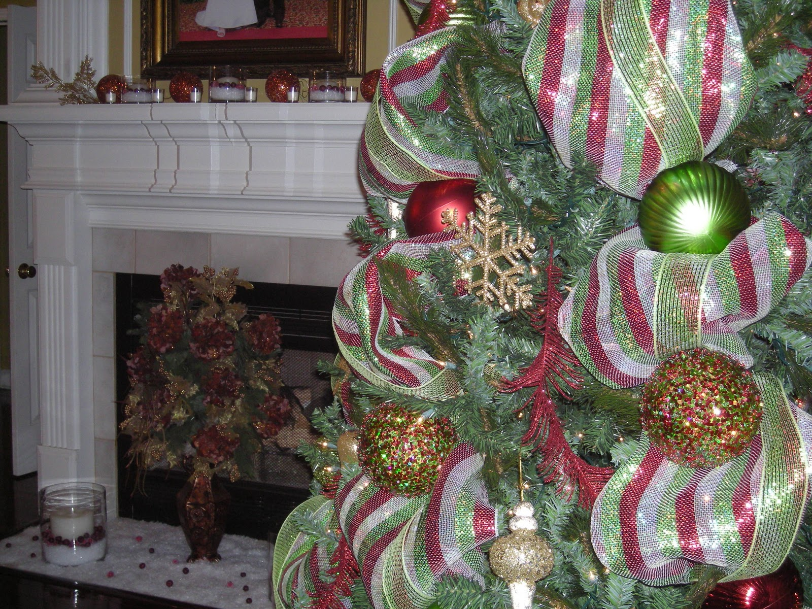 Christmas tree decorations with mesh - photo#19