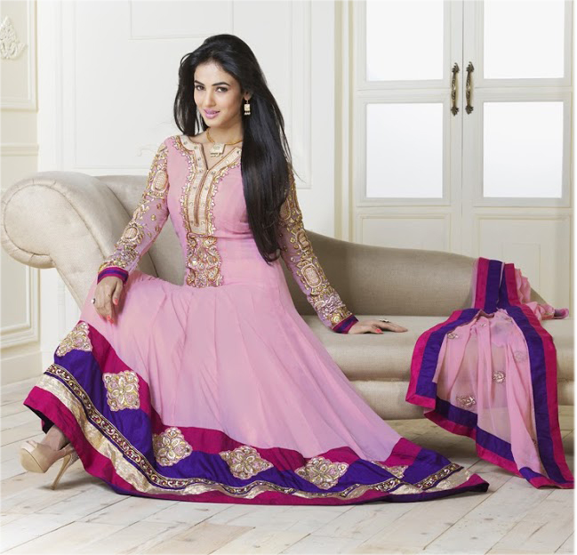 In This Particular Suit Wear By Sonal Chauhan Looks Very Nice Because Of Color Combination Baby Pink Giving Extra Attraction When You It And Also
