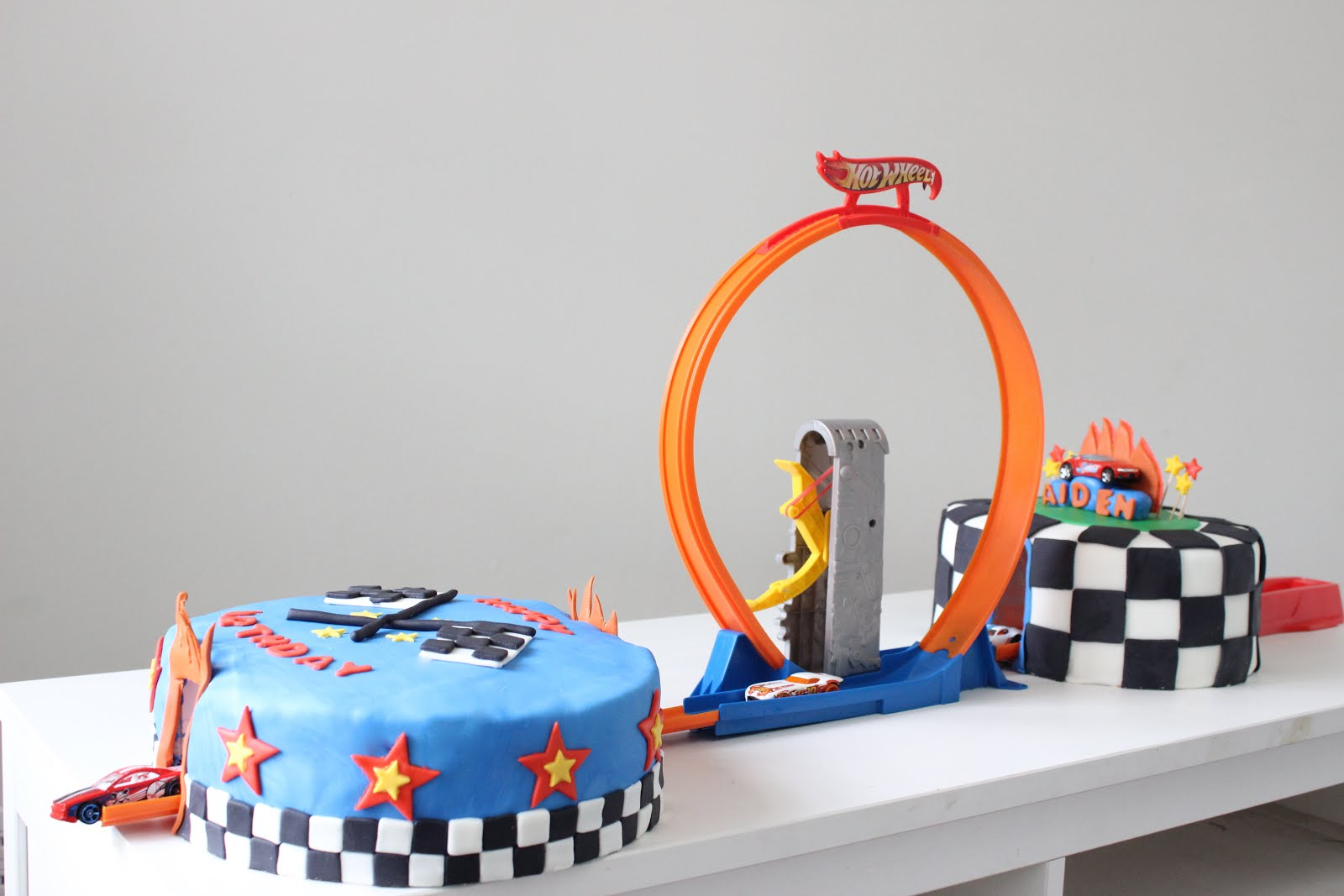 Images Of Hot Wheels Cake : Changs and Changes: And another Hot Wheels Cake...