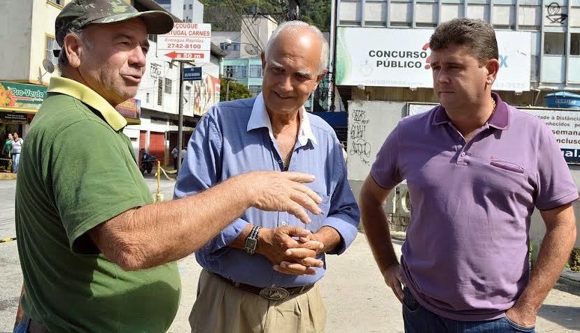 O aposentado Luiz Motta parabeniza a iniciativa do prefeito de recuperar a avenida