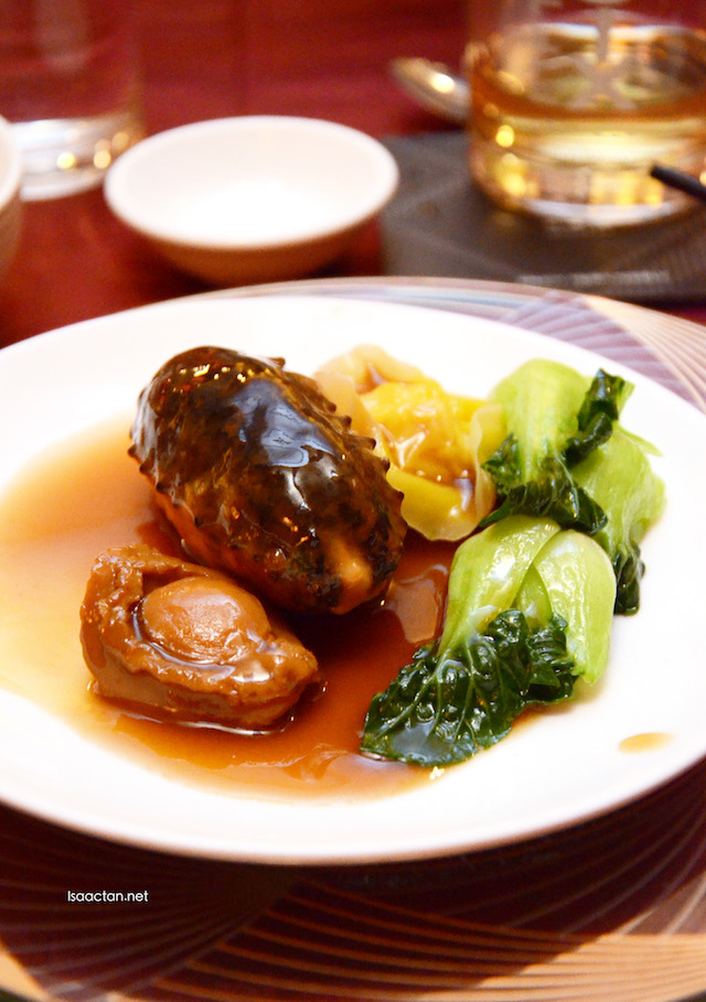 Braised Abalone (14 head), Sea Cucumber stuffed with Tuna & Wanton