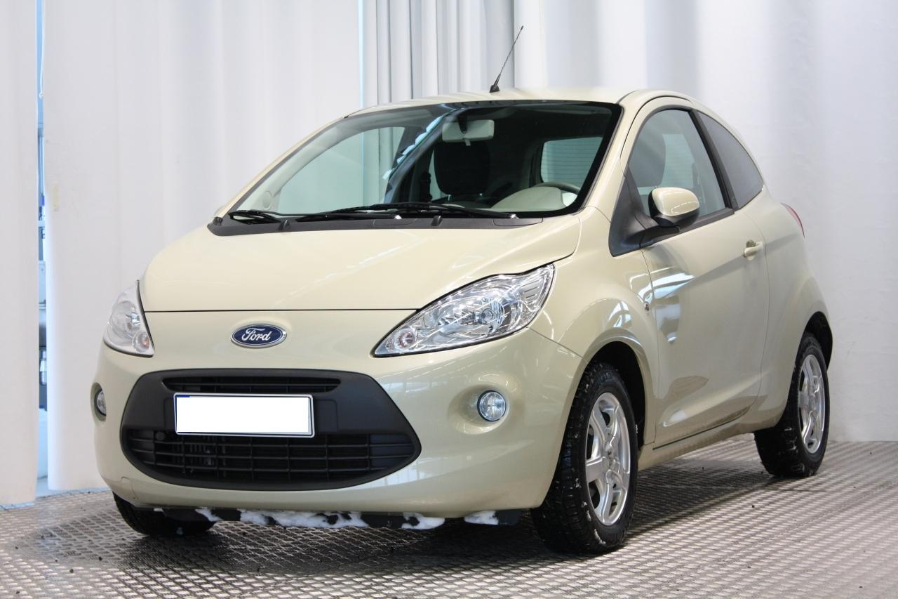 car in Ford Ka 2014