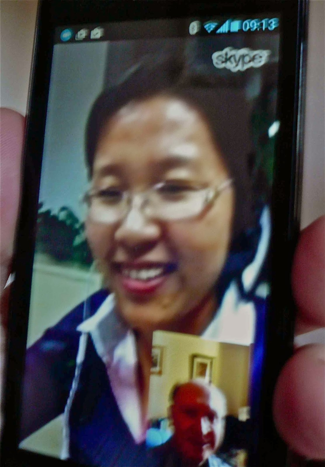 Picture of Video call to China on smartphone [[slnc 1000]]