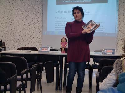 Joana apresenta livro na Escola Básica e Secundária de Ourém