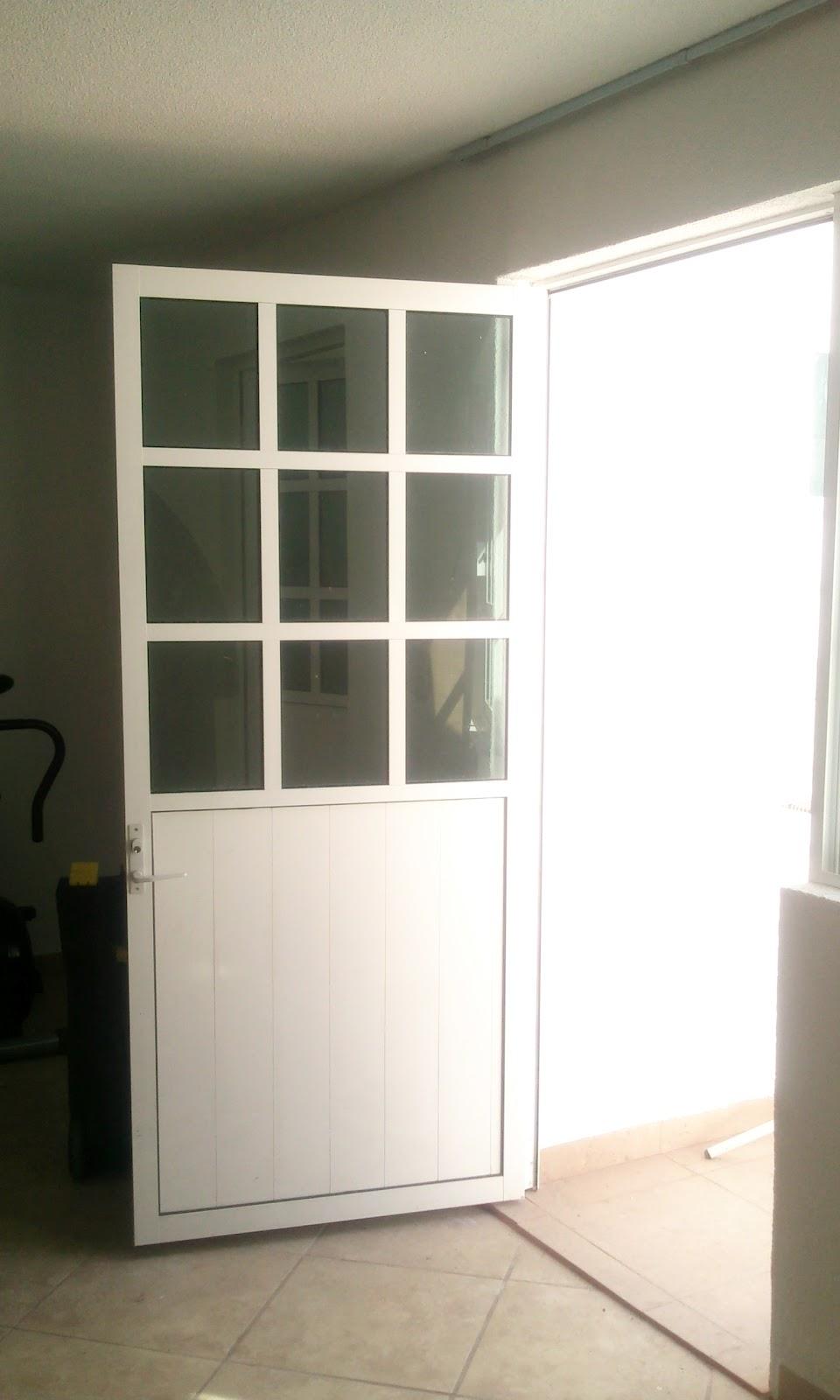 Puertas De Baño Templadas:Puerta aluminio clanco 3′ con cristal claro mitad a cuadros y mitad