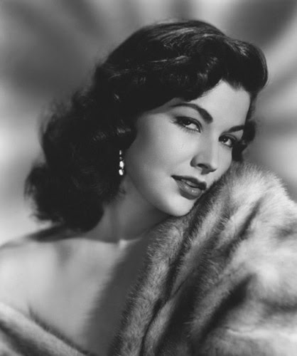 Bunny's Victory: Pinup Girl of the Month: March: Mara Corday
