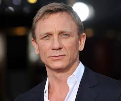 http://www.007travelers.blogspot.fi/2014/06/007-james-bond-actor-daniel-craig.html