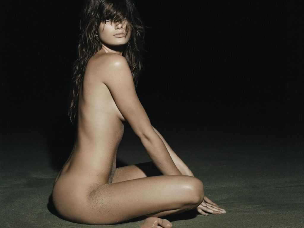 http://2.bp.blogspot.com/-Gwnb0ktyOes/T1bJKOTwelI/AAAAAAAAAC8/GKV8AuhNHJ4/s1600/Isabeli-Fontana-11.JPG