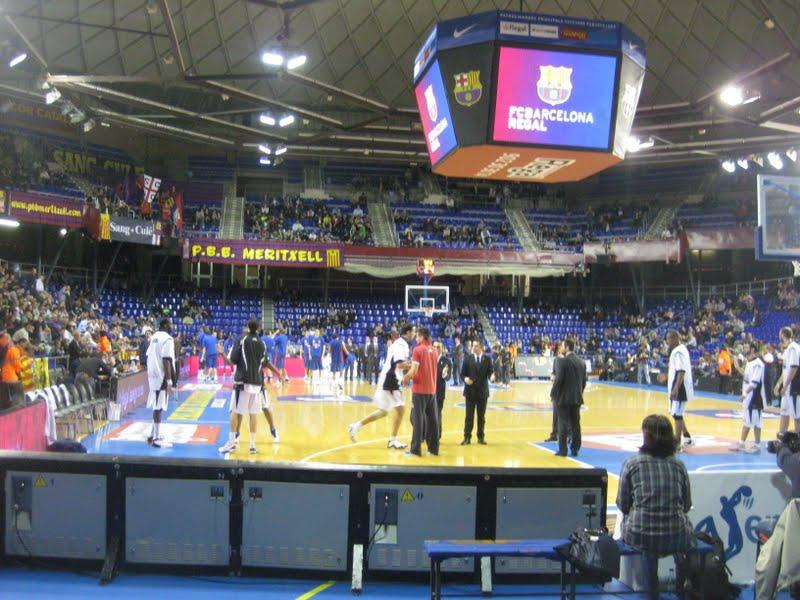Obradoiro basket foto imagenes del obra en el palau blaugrana for Puerta 0 palau blaugrana
