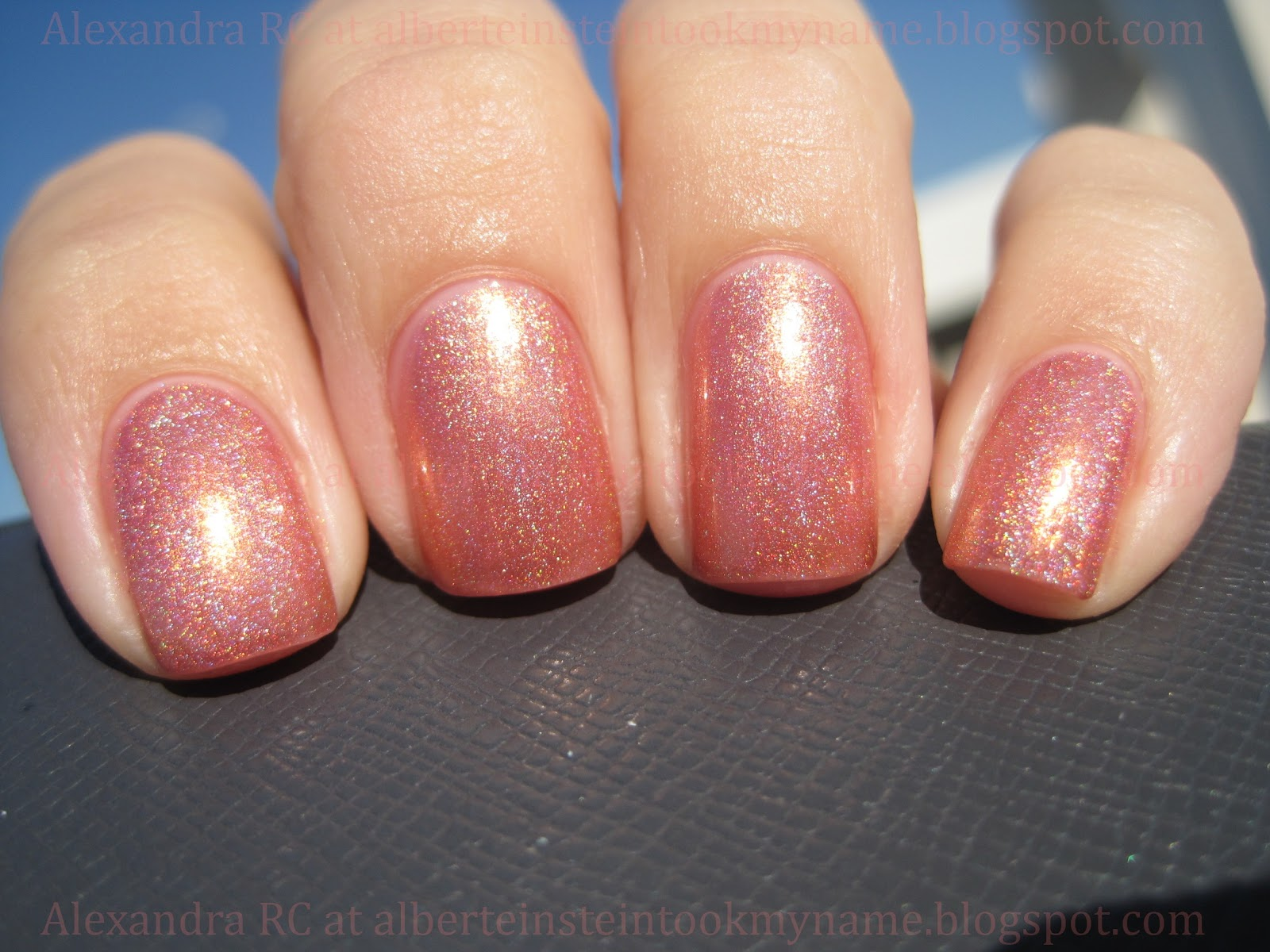 Sparkly Vernis: OPI Day At The Peach is the perfect peach nail polish