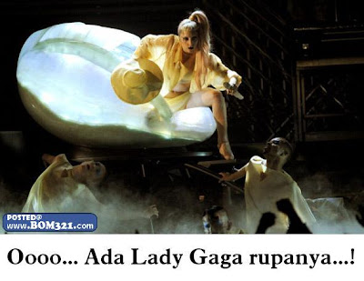 lady gaga dalam telur | lady gaga on the egg
