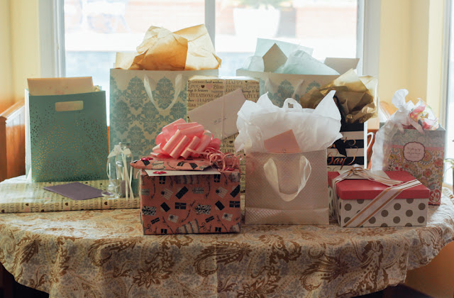 Mint and Gold Bridal Shower Gifts #bridalshower #MintandGold