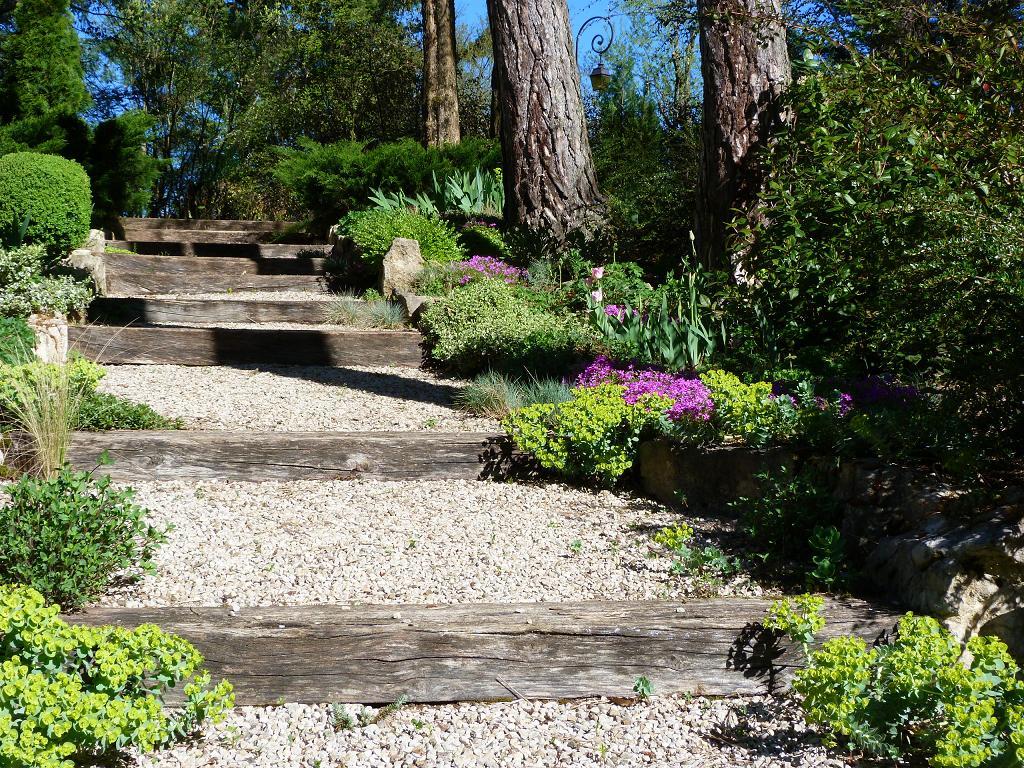 Emejing escalier jardin rocaille images - Jardin de rocaille ...