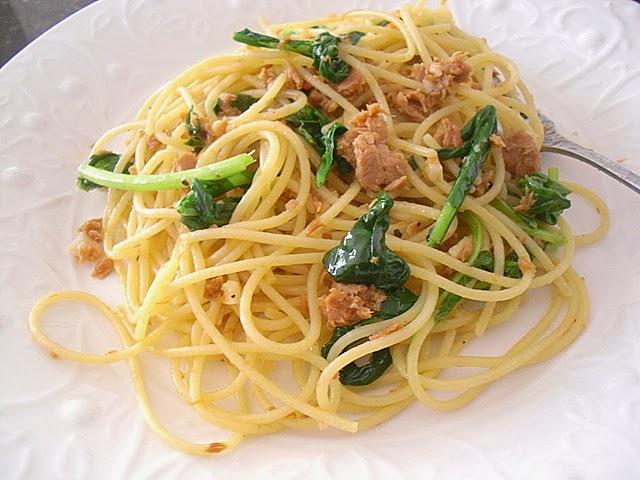 Little Corner of Mine: Sweet & Spicy Tuna Arugula Pasta