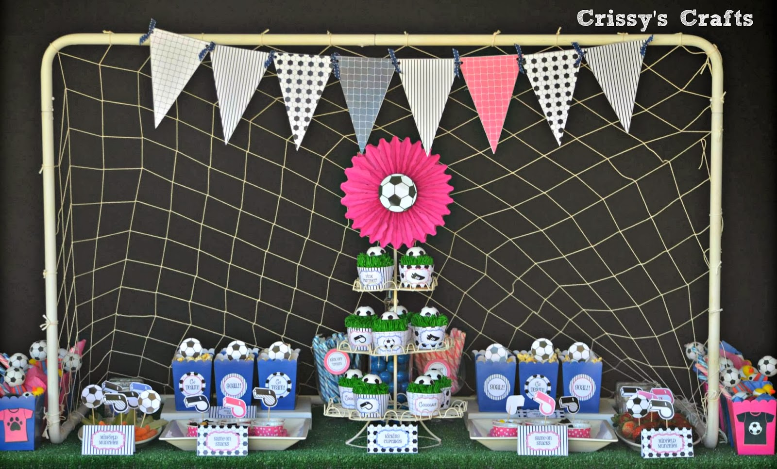 flavia from fte fte designed the cutest printable to match the girls soccer jerseys the printable comes with food labels banner cupcake toppers that