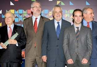 "Acto de entrega ""XXIV Premios Arco Iris al Cooperativismo"" a MNM Ingeniería"