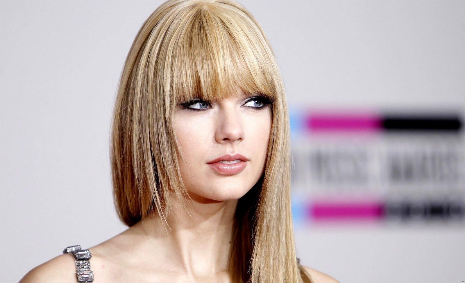 http://2.bp.blogspot.com/-GxtxR0Kh1OQ/TwmmRQV5bTI/AAAAAAAANDk/i4AZLsvxIk0/s1600/Taylor_Swift_american_idol_singer_wallpapers_lips.jpg