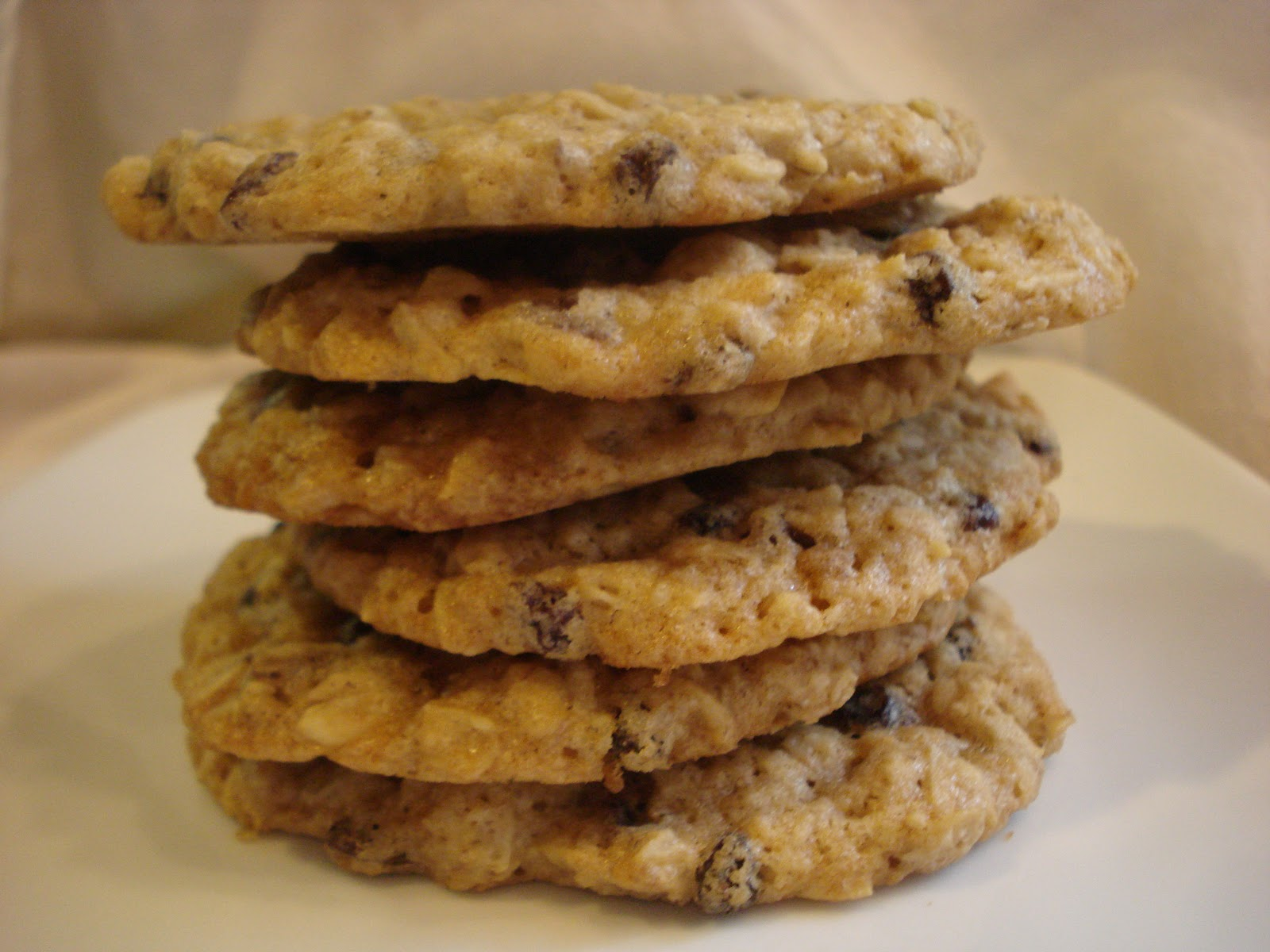 The Cookie Scoop: Thin Oatmeal Currant Cookies