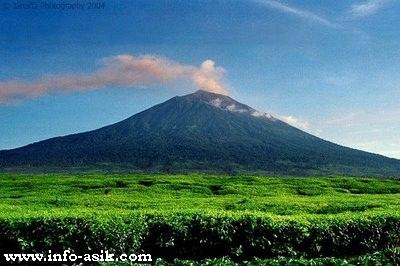 10 Gunung Tertinggi di Indonesia  zonapintar