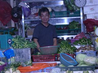 wet market vs hypermarket Dry market is a slang term that is used to describe a market that is associated with dry goods a dry market is not a term that exists widely during usage and is only found in difference between wet market and dry market.