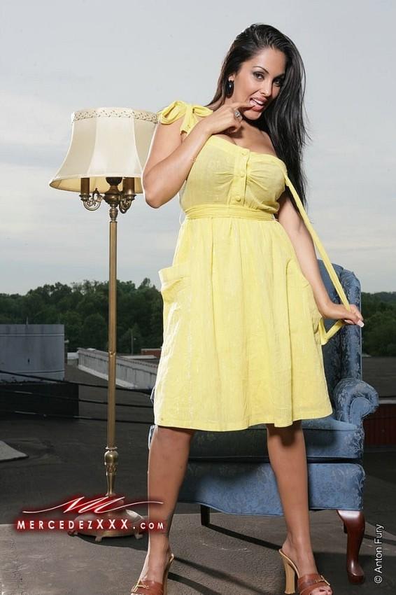 Nina Mercedez with Babes: Nina Mercedez - Yellow Gown