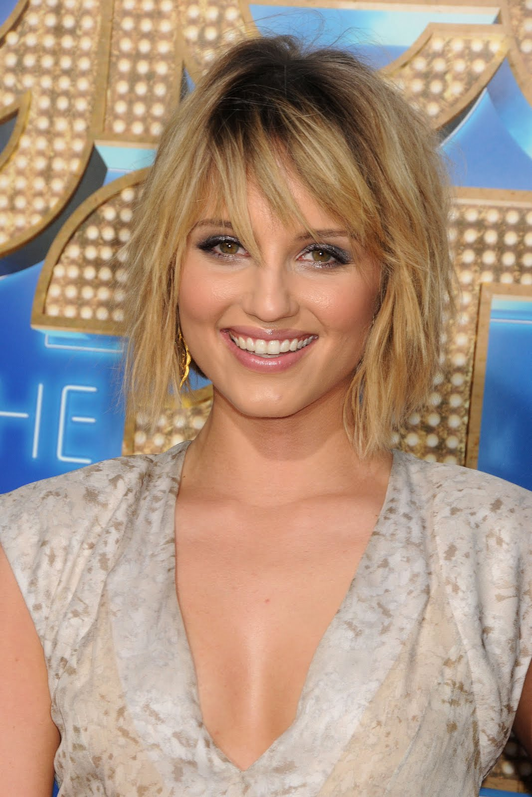 Dianna Agron Straight Hairstyles