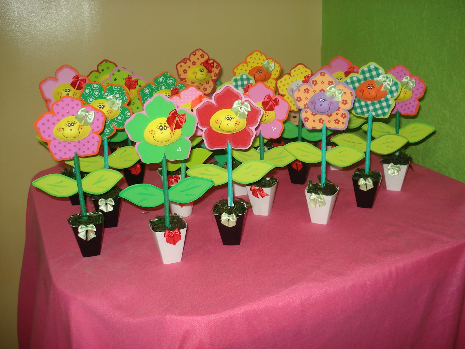 festa em silva jardim: como centro de mesa para festa Jardim encantado da pequena Luma