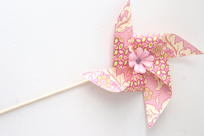 paper crafts for kids: easy pinwheels