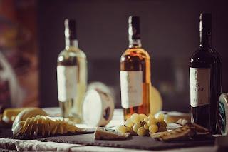 Branzeturi Delaco si vinuri VinArte
