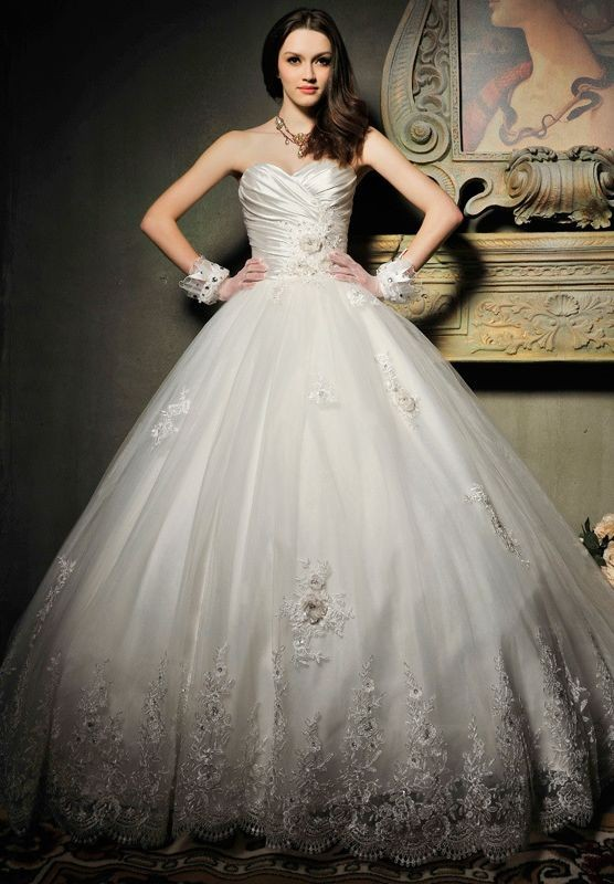 Whiteazalea ball gowns vintage wedding ball gowns for Princess style wedding dresses sweetheart neckline
