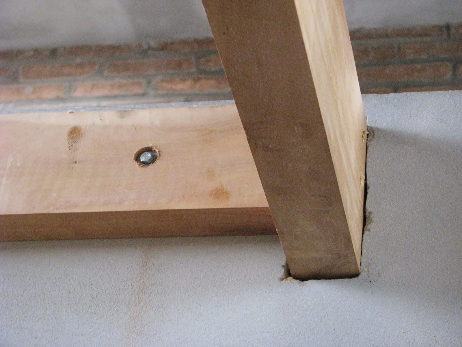 Detalhe fixação da viga de madeira na viga de concreto; #654D3A 1600x1200