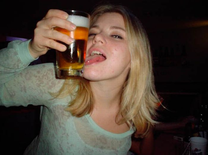 mulheres bebendo