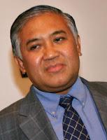 PROF.DR. DIEN SYAMSUDIN, MA.