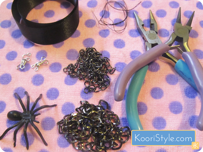 Koori KooriStyle Kawaii Cute Handmade Halloween Spooky Spider SpiderWeb Necklace HalloweenIdea