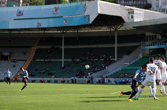 Uruguay U-20 player Giorgian De Arrascaeta scores from a free-kick against New Zealand U-20