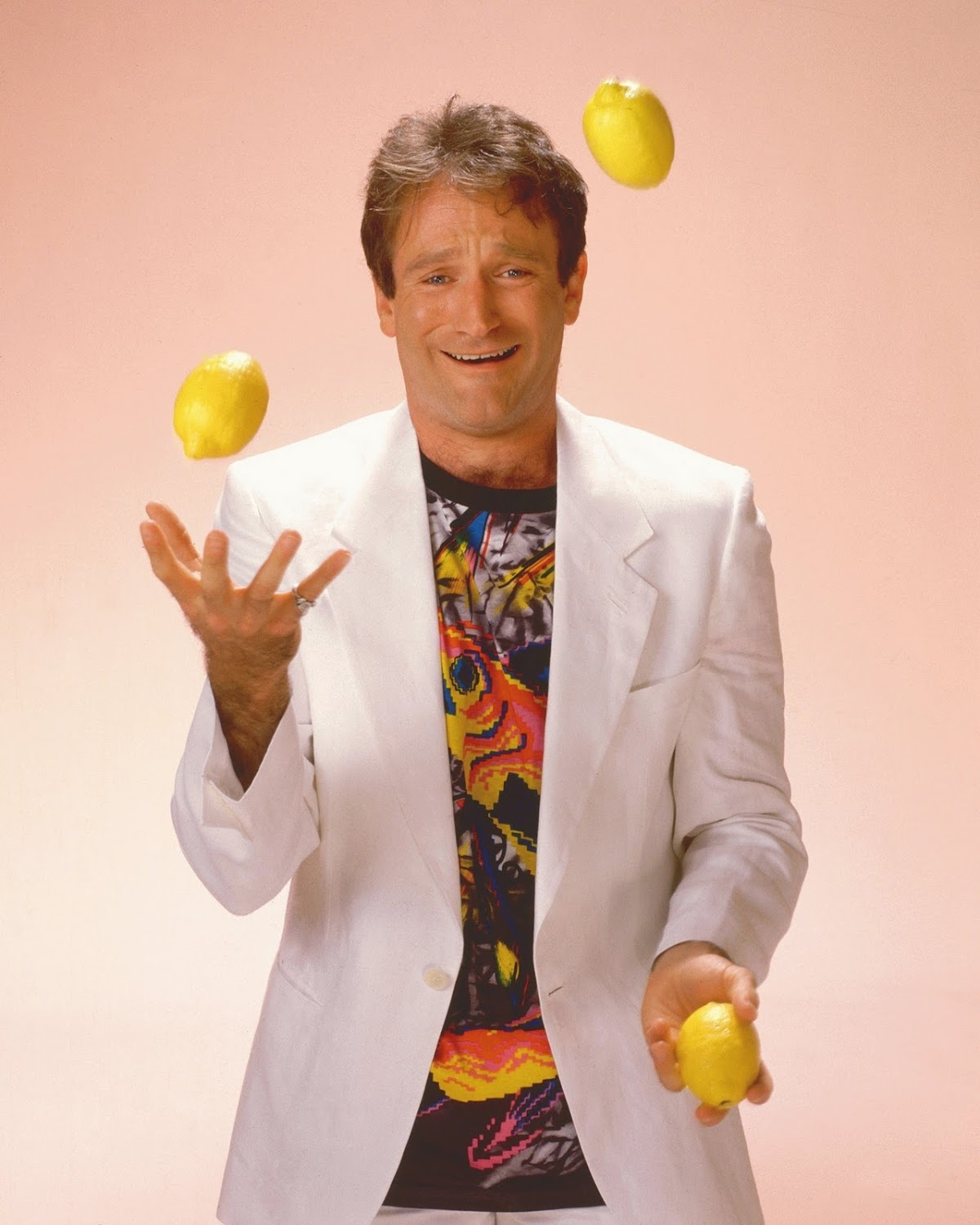 http://2.bp.blogspot.com/-H-U3bTvo_68/TrG6guCqS7I/AAAAAAAAAfE/mPnvOwr5Xlg/s0/Robin-Williams-1999-robin-williams-19521952-2048-2560.jpg