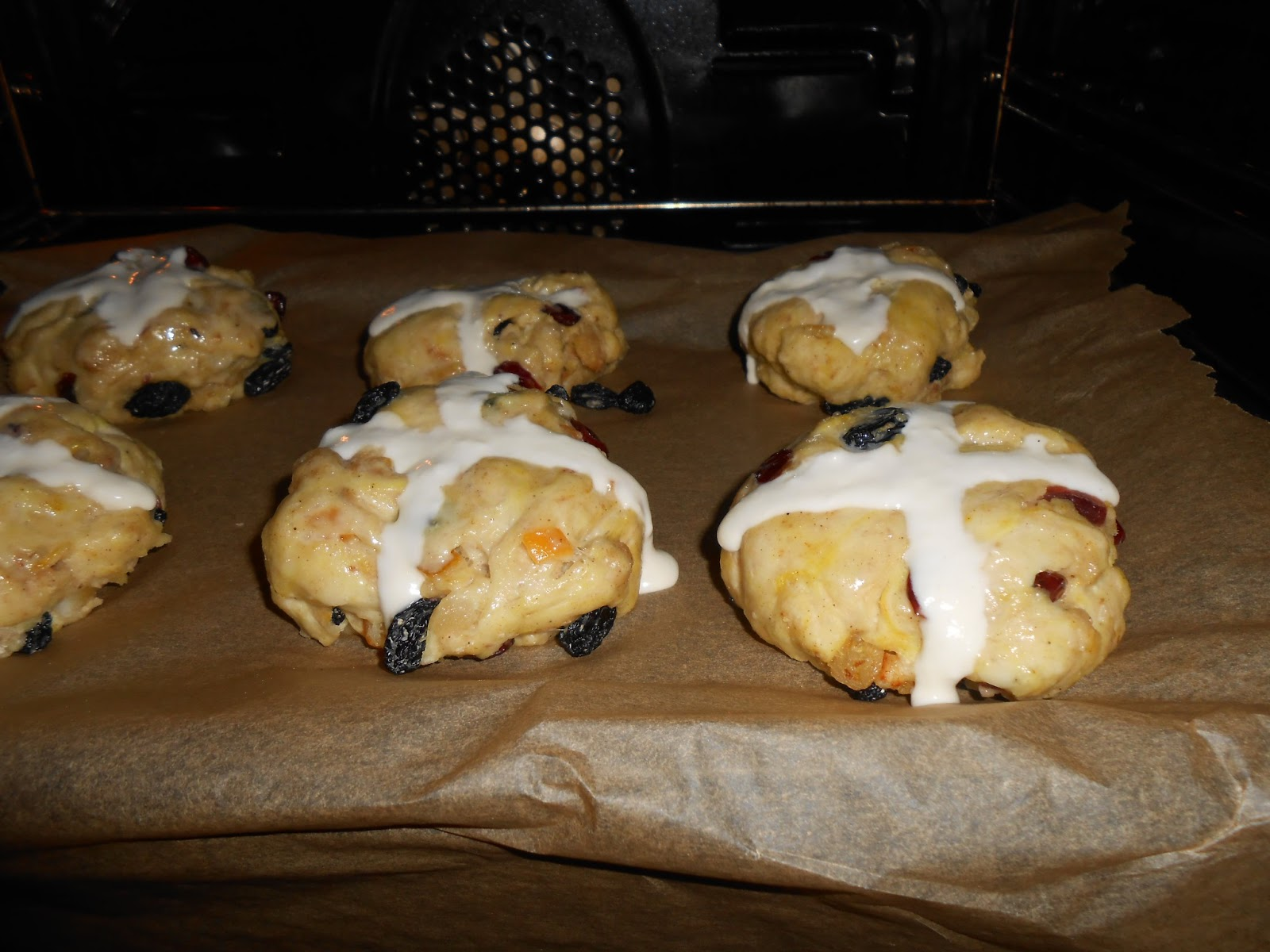 Hot Cross Buns in the Oven