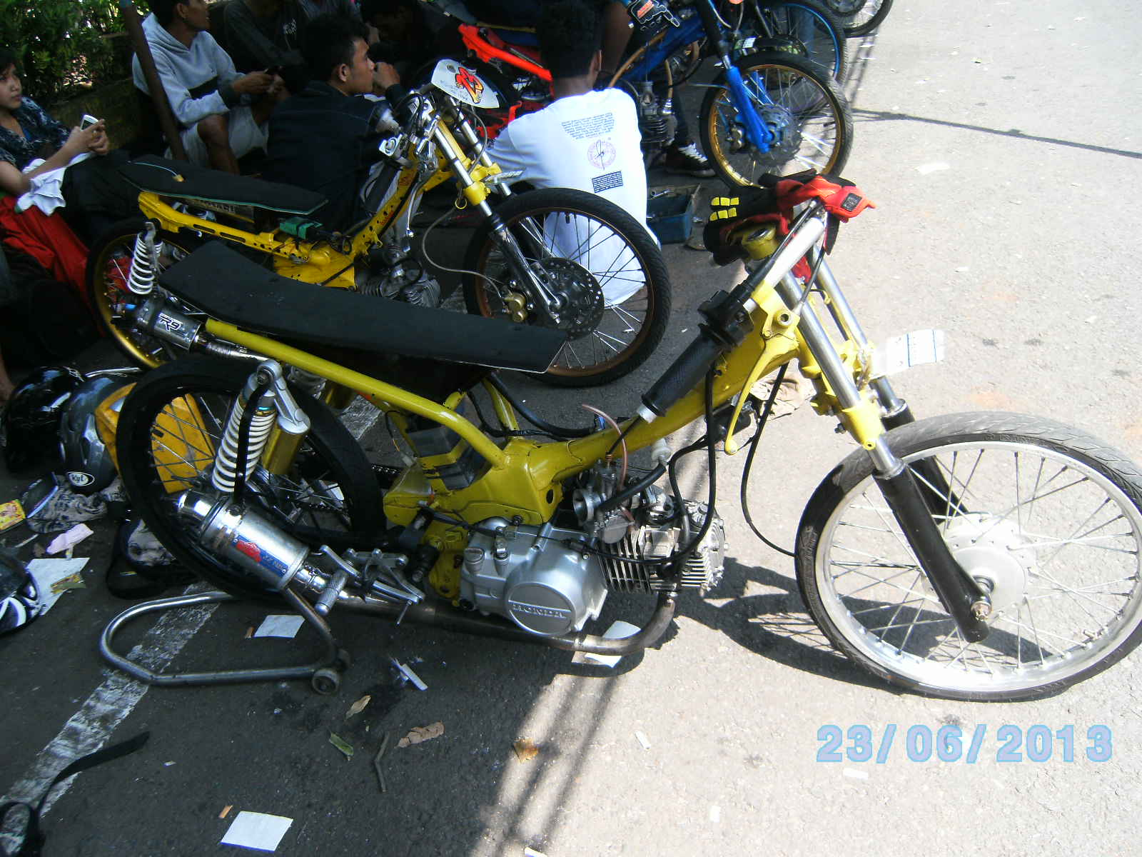 video dragbike balap liar | honda motorcycles trend mode motorbike