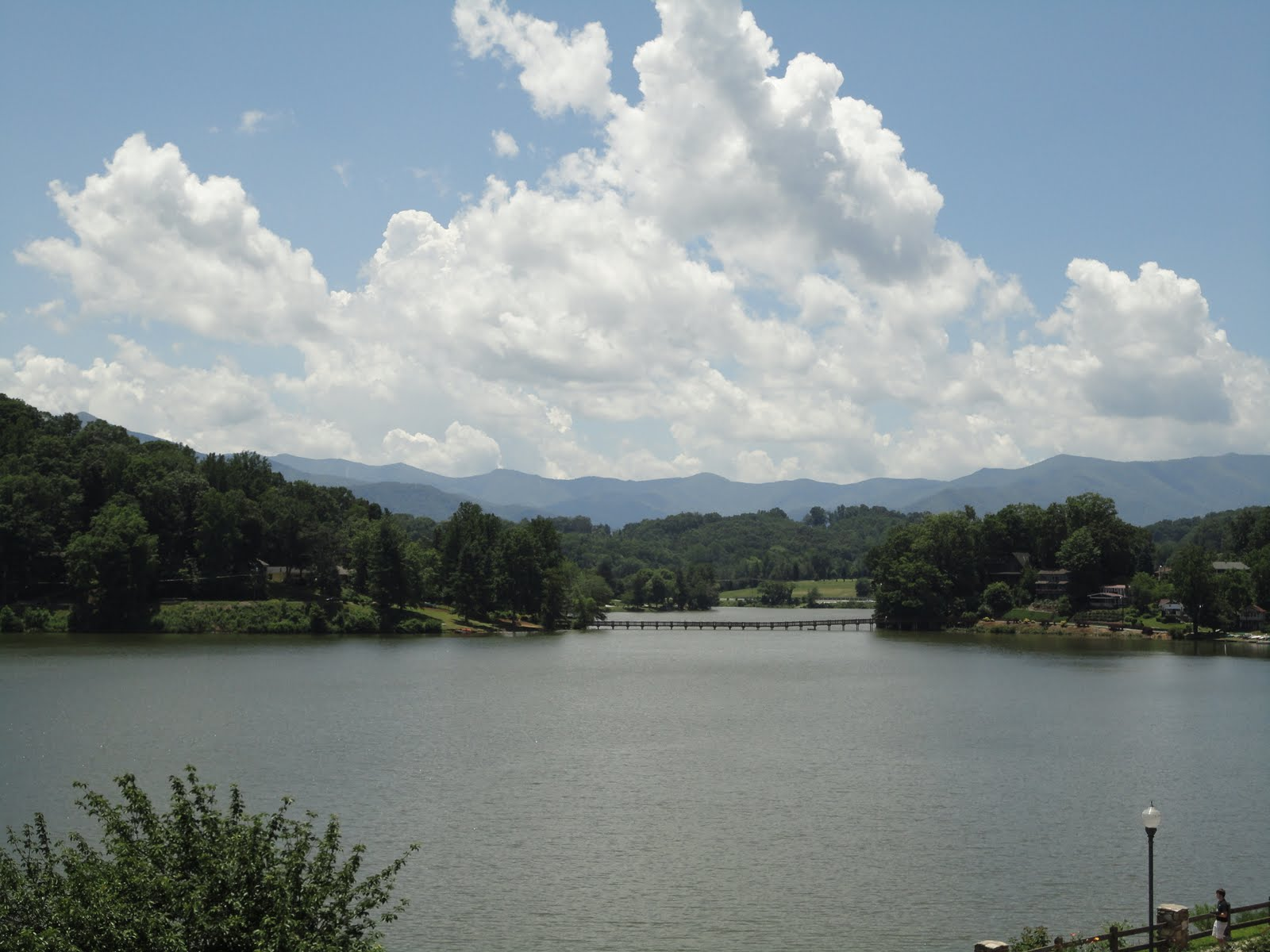 lake junaluska girls 07062018 the annual lake junaluska flea market will take place from 8 to 11:30 am saturday, june 9, at the nancy weldon outdoor gymnasium, 91.
