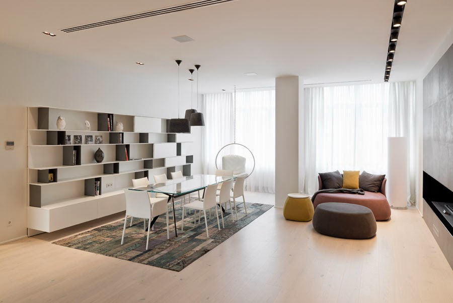 Modern Feature-Rich House In Moscow