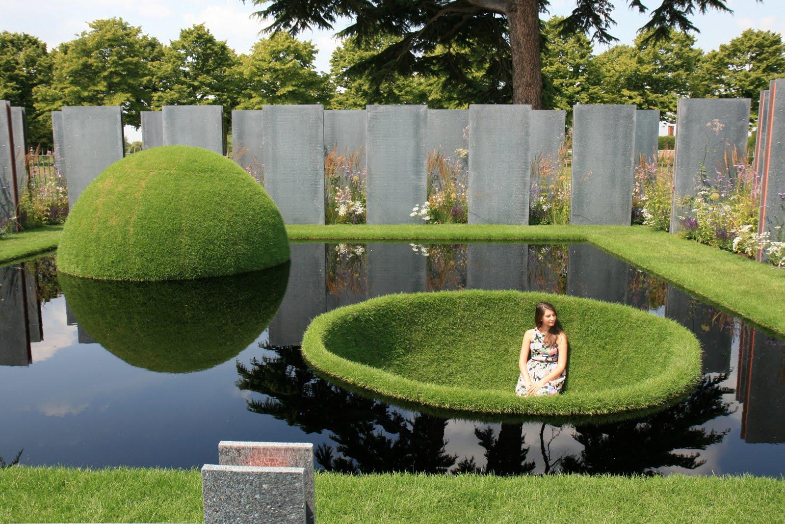 необычный дизайн сада в стиле хай-тек