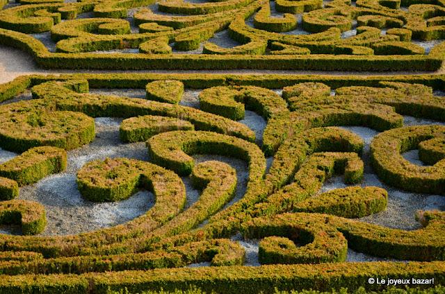Auvers sur Oise - château - jardin à la française